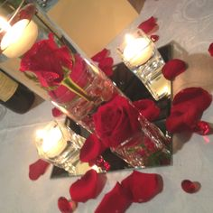 <3 Centrotavola #roses #centrepiece #candles