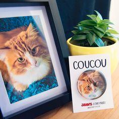 """Macaron/badge unique et personnalisé avec la photo de VOTRE chat (ou votre chien). Format 2,25"""" (ou 1,5""""). Cadeau amusant idéal et peu cher."""