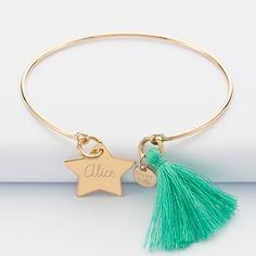 Bracelet personnalisé jonc plaqué or et pompon médaille gravée étoile 20x20 mm prénom 1