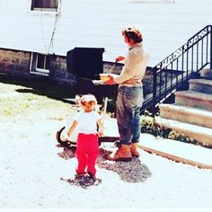 #teamleeandmarias would like to wish all the dads a Very Happy Fathers Day!!!    here's papa Lee with his little grilling assistant Kathy back in the 80's some things never change