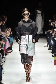Yohei Ohno    Fall-Winter 2017 Tokyo Womenswear Catwalks
