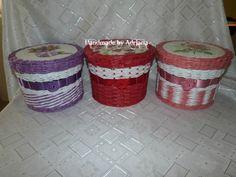 košičky s vrchnakmi.. :) Hamper, Laundry Basket, Wicker, Organization, Home Decor, Scrappy Quilts, Getting Organized, Organisation, Decoration Home