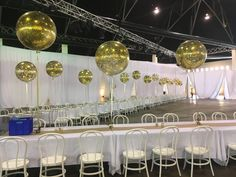 So elegant! Glitter Ballons, Clear Balloons, Gold Confetti Balloons, Round Balloons, Giant Balloons, Balloons Online, Balloon Centerpieces, Glitz And Glam, Color Pop