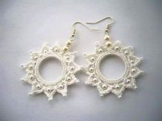 Hand Crochet and Beaded Snow White Cotton Dangling Circle Earrings Tatting Earrings, Tatting Jewelry, Tatting Lace, Beaded Earrings, Diy Jewelry, Jewelery, Handmade Jewelry, Circle Earrings, Crochet Earrings Pattern