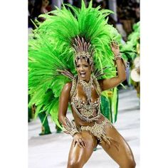 "Beautiful woman, costume and ""energy"" during carnaval Rio de janeiro Brazil Carnival Dancers, Carnival Girl, Brazil Carnival, Carnival Outfits, Carnival Costumes, Rio Brazil, Costume Carnaval, Samba Costume, Beautiful Black Women"