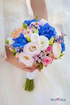 biało - niebieski bukiet ślubny