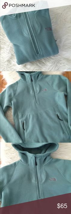 The North Face sea foam sweater S The North Face sea foam sweater, size S. Super comfy fleece, perfect for chilly days. Extra soft with pockets in front and hoodie for extra warmth and coverage. Excellent condition! BUNDLE & SAVE 15% ❌TRADES ❌ OFFERS WELCOME! The North Face Sweaters