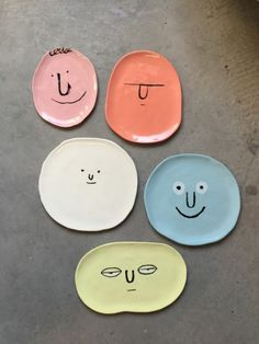 Diy Home : Jean Jullien for Case Studyo * Deco Findings * The Inner Interiorista - - ListFender Ceramic Plates, Ceramic Pottery, Ceramic Art, Painted Pottery, Ceramic Painting, Diy Clay, Clay Crafts, Diy And Crafts, Small Bathroom Paint Colors