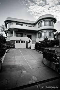 blog highlighting art deco buildings in Australia. house in Albury, NSW.