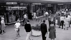 In the Chadstone Shopping Centre in Melbourne was opened by the Victorian premier Henry Bolte and became the largest shopping centre in Australia. British Country, Melbourne Victoria, St Kilda, Largest Countries, Historical Images, Shopping Center, Vintage Photographs, Back In The Day, Old Photos