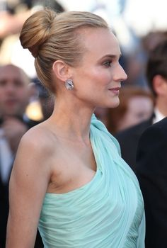 Can't stop raving about Diane Kruger and her Cannes Film Festival gown and hair!