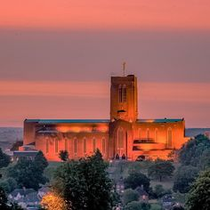 Guildford Cathedral...Looks like Mother Nature used a big paintbrush for this sunset.  #ig_europe #igworldclub #ig_worldclub #alalamiya_sunset #loves_landscape #sunset_in_bl by dom.dot.dom