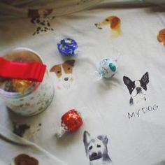 ▫ ▫ Present from my friend🎁 ▫ 先日お友だちに頂いたルームウェア🌛 色んなワンコの総柄の中で ぶきち柄のワンコの下にだけ「MY DOG」!! すごい、びっくり! 私にと選んで下さった事もまた嬉しいのでした。 Mさんホントにありがとう❤ 似合うように痩せよ〜。笑 ▫ #フレンチブルドッグ  #愛犬  #ブヒ  #フレンチブルドッグパイド  #フレブル #dogphoto  #instafrenchie  #dog  #frenchbulldog  #buhi  #frenchie  #dogphotography  #doglife  #🐶#piedfenchie #ルームウェア