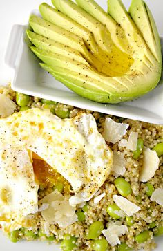 Quinoa, Edamame, Egg & Avocado - We'd eat this for breakfast, lunch, or dinner! #Yum #Healthy #SuperFoods