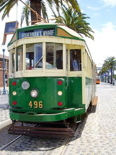 Streetcar 496 came to San Francisco from Melbourne, Australia; it operated there from 1929 until Melbourne Tram, Melbourne Australia, New England Fall, Bonde, Melbourne Victoria, Light Rail, Cool Countries, Public Transport, Wonderful Places