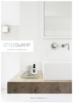 Styleswamp.nl is a shop which has been established to inspire you. We offer good basic pieces and special accessories, great as a gift or a gift for yourself ;-).
