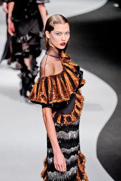 #KarlieKloss on the #runway for Viktor & Rold's 2012 #RTW Collection. #MOdel #Supermodel #VS #VSAngel #Vogue