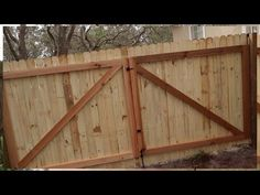 How to Build A Gate For A Wooden Fence – Modern Design - Modern Building A Wooden Gate, Wooden Fence Gate, Fence Gate Design, Wood Privacy Fence, Diy Fence, Fence Ideas, Fence Gates, Cedar Fence, Garden Ideas