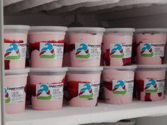 """La combinación de ese acidito de un buen yogurt natural más el dulcito de un buen sirope de Moras criollas. Así es nuestro """"Yogurt con Mora"""" #heladosemparamados"""