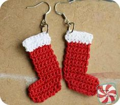 Quick And Easy Crochet Christmas Earrings Pattern [Free Crochet Patterns]