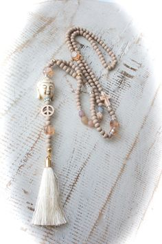Ketten lang - ★ NUDE Pastell beige Buddha Style Kette Deluxe ★ - ein Designerstück von Juwelenkind bei DaWanda