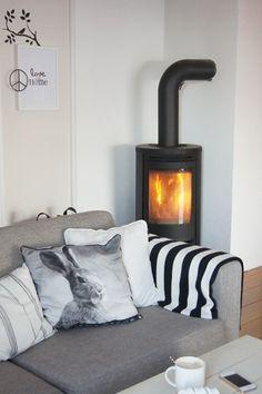 Junes Dagbok: Livingroom/Fireplace