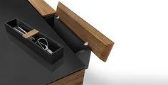 O CÉU - CHEFÉ - Desk made of wallnut + storage box.