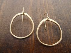 Large rippled circle earrings in vermeil - Andrea Wysocki Jewelry