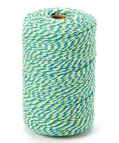 Add that fancy finishing touch to baking projects with this stylish twine. Lovely for any occasion, it comes with plenty of footage for tying up gift bags, wrapping treats and more.