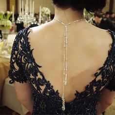 What a beautiful craftsmanship  a perfect embroidery meet a beautiful necklace hanging on the back .  Special design necklace by @rinaldyayunardi for Ms.Yulie on her brother wedding day .  #andreasodang #andreas_odang #rinaldyayunardi #necklace #crystals #embroidery #eveninggowns #elegant #couture  #love by andreasodang