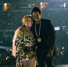Beyonce stage performance with Jay-Z on last ten shows of on the their Run Tour II Beyonce 2013, Beyonce And Jay Z, Queen Bee Beyonce, Global Citizen Festival, Run Tour, Blue Ivy, Famous Singers, Black Love, Coachella