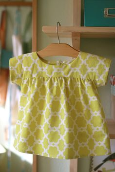 oliver+s ice cream blouse with v neckline omitted.