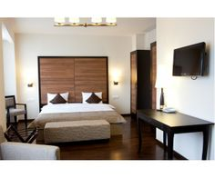 Cel mai nou hotel din centrul vechi : hotel Europa Royale Bucuresti. Conditii  minunate de cazare, amenajari moderne si servicii de  inalta  calitate la  tarife  avantajoase! http://www.hotel-bucuresti.com/hoteluri/hotel_europa_royale-138.html