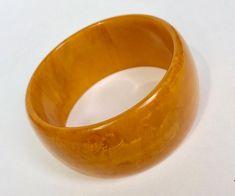 WhirleyShirley by WhirleyShirley on Etsy Vintage Gifts, Etsy Vintage, Unique Vintage, Unique Jewelry, Vintage Jewelry, Vintage Bracelet, Bangle Bracelets, Bangles, Plastic Jewelry