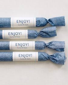 Denim Favor Wrapping Even the tastiest of treats are made more appealing when rolled in pretty packaging. We wrapped these salted caramels in a paper with an enlarged photocopy of blue fabric, twisted the ends, and sealed with a label. Wedding Favours, Wedding Themes, Party Favors, Wedding Ideas, Party Gifts, Wedding Photos, Wedding Spot, Wedding Blue, Diy Gifts