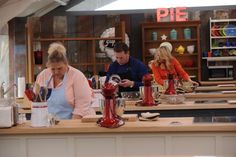 {The final three contestants, Francine Bryson, Brian Emmett and Darlene Pawlukowsky focus on their last baking challenges on the THE AMERICAN BAKING COMPETITION. Photo: Guy D'Alema/CBS ©2013 CBS Broadcasting, Inc. All Rights Reserved.}