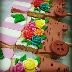 biscoitos decorados carrinho flores