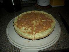 Das perfekte Philadelphia - Torte-Rezept mit Bild und einfacher Schritt-für-Schritt-Anleitung: Die Löffelbiskuits mit einer Teigrolle oder Fleischklopfer…