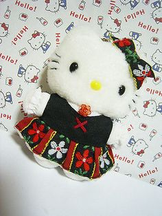 "HELLO KITTY Small Plush Stuffed Doll Mascot Charm Sanrio Germany Ver. 2000  *Condition* Unused, however this item is pretty old (released 13 years ago), so please make sure to check all of the pictures in the picture's gallery before bidding or purchasing! *Size* About  3.7"" (9.5cm) in height 19.99-25.99 (4.80/4.90/5.90)"