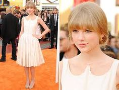 """Taylor Swift rocking a """"Peter Pan"""" Collar at the """"Dr. Suess' The Lorax"""" premiere in LA"""