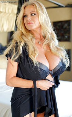 US all-natural 2busty star Kelly Madison