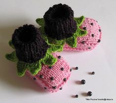 Baby booties Blueberry Cocktail  by zecite on Etsy