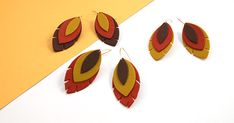 Discover the Fimo effect leather paste with this tutorial to make feather earrings. New in 2019 from the Fimo range, this paste will surprise you whe Dough Machine, Fimo Effect, Leather Tutorial, Metal Cutter, Earring Tutorial, Gold Wire, Feather Earrings, Polymer Clay Jewelry, Creations