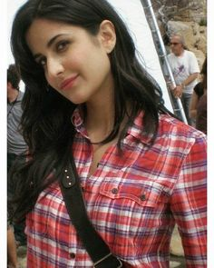 Discover recipes, home ideas, style inspiration and other ideas to try. Picture Of Katrina Kaif, Katrina Kaif Images, Katrina Kaif Photo, Hot Actresses, Beautiful Actresses, Indian Actresses, Classic Photography, Young Female, Indian Bollywood