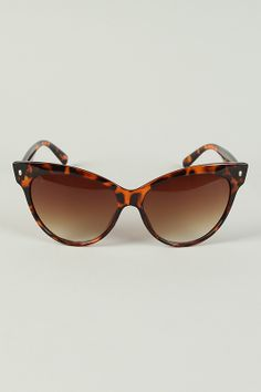 Cats Meow Sunglasses! Chic style tortoiseshell will keep your eye protected and while you keep your style intact!