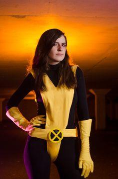 Kitty Pryde & Jubilee X-Men Cosplay Kitty Pryde, Male Cosplay, Amazing Cosplay, X Men, Sci Fi, Halloween Costumes, Comic Books, Fan Art, Comics