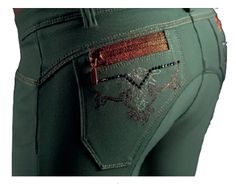 green breeches>> zipper on the butt gives the saddle scratches! Equestrian Chic, Equestrian Outfits, Equestrian Fashion, Clothes Horse, Horse Clothing, Riding Clothes, Riding Habit, Pony Style, Horse Fashion