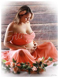 Sesión Fotográfica de Embarazadas      Detener el tiempo, plasmar este maravilloso recuerdo en algo invaluable, es algo que no lo puedes perder.Puedes participar con tu esposo e hijos que sea aún más completo. Quiero mi sesión              Testimoniales Hace poco