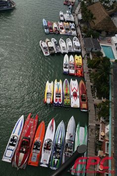 Hanging out a Gilberts in the keys For the Miami boat show poker run! Fast Boats, Cool Boats, Speed Boats, Power Boats, Miami Vice, Poker Run, Offshore Boats, Row Row Your Boat, Float Your Boat