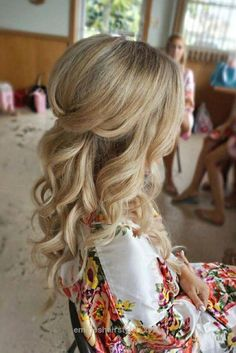 Unbelievable Half up half down curl hairstyles – partial updo wedding hairstyles,partial updo bridal hairstyles – a great options for the modern bride from bohemian hair The post Half up half down .. #WeddingHairDown Wedding Hairstyles Half Up Half Down, Wedding Hair Down, Wedding Hairstyles For Long Hair, Curled Hairstyles, Bride Hairstyles, Gorgeous Hairstyles, Hairstyle Ideas, Half Updo, Wedding Curls